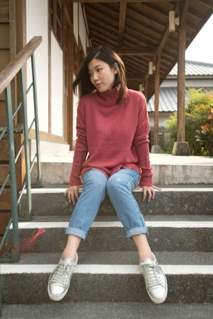 sweater_0001_background-copy-8